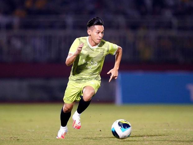 Độ Mixi, Cris Phan và nhiều hot streamer Việt mê bóng đá còn hơn cả game, nhưng đặc biệt nhất phải gọi tên Mai Linh Zuto - Ảnh 3.