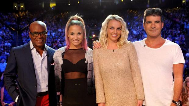 Britney Spears khi làm giám khảo X-Factor: Cô ấy ngồi đó nhưng như xác không hồn và phải uống quá nhiều thuốc - Ảnh 4.