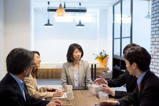 Nhật Bản đề xuất chế độ làm việc 4 ngày/1 tuần: Nhiều người nghĩ sướng, người khác lại thấy sợ - Ảnh 1.