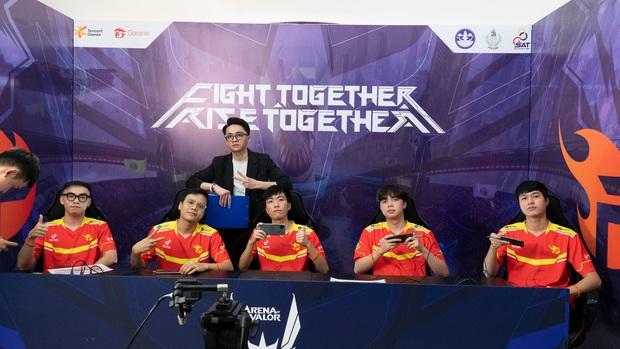 Lượt về AWC 2021: Saigon Phantom và V Gaming sáng cửa vào playoffs, chờ bản lĩnh nhà vô địch của Team Flash? - Ảnh 2.