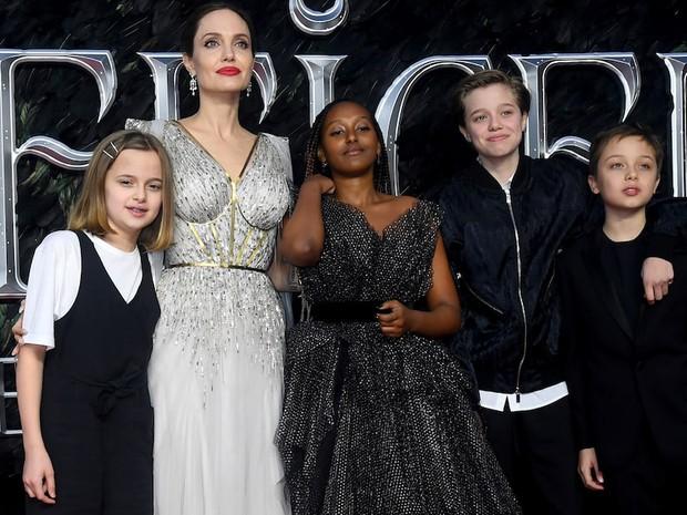 """Angelina Jolie bóc trần mặt tối ngành y, tức tưởi kể chuyện đưa con đi phẫu thuật: """"Y tá bảo hãy gọi bác sĩ nếu da cháu chuyển màu hồng"""" - Ảnh 2."""