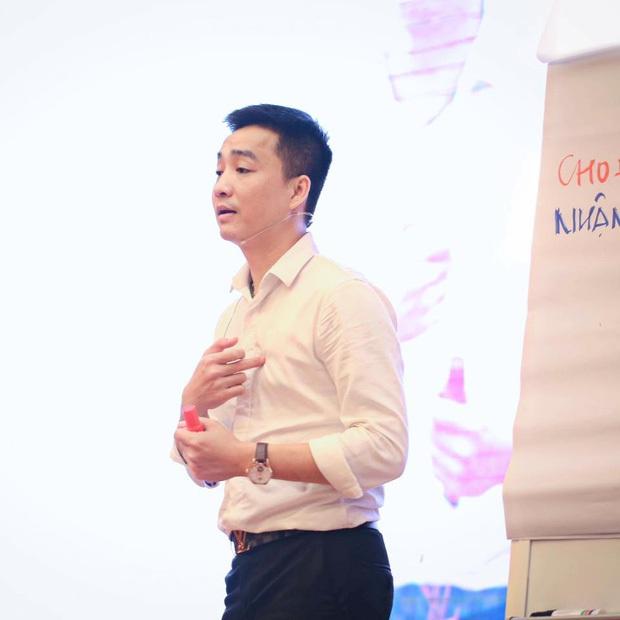 Chồng cũ của diễn viên Hoàng Yến bị đào lại loạt ảnh giao lưu với giang hồ mạng Phú Lê, vợ chồng Đường Nhuệ - Ảnh 2.