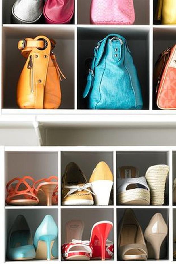 Tủ quần áo sẽ bớt ngộp thở nếu bạn biết 8 mẹo lưu trữ thông minh này - Ảnh 10.