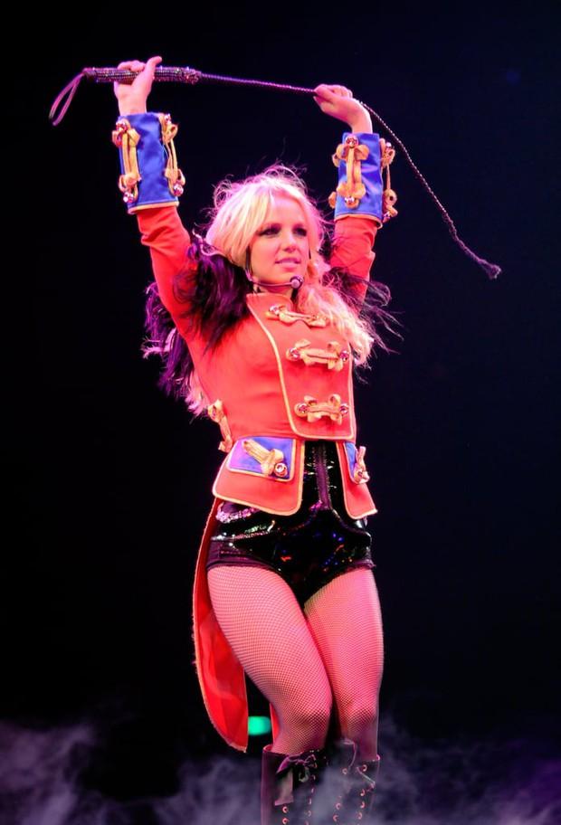 13 năm địa ngục của Britney Spears: Gia đình cầm tù, cưỡng bức lao động đến sang chấn tâm lý nhưng kinh khủng nhất là bị tước quyền làm mẹ! - Ảnh 7.