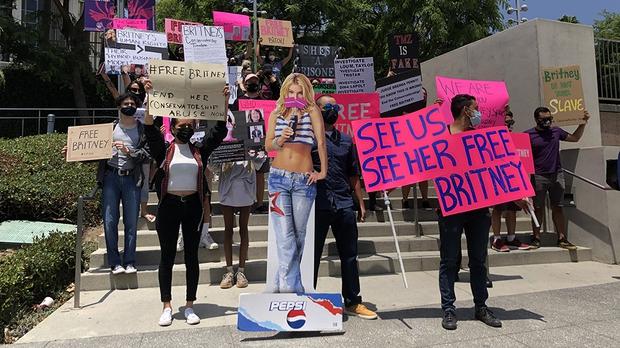 13 năm địa ngục của Britney Spears: Gia đình cầm tù, cưỡng bức lao động đến sang chấn tâm lý nhưng kinh khủng nhất là bị tước quyền làm mẹ! - Ảnh 11.