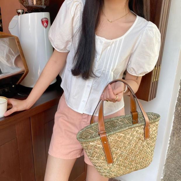 """Jisoo xinh xắn với áo blouse 1 triệu, có nhiều mẫu na ná giá chỉ vài trăm bạn dư sức """"múc"""" - Ảnh 14."""