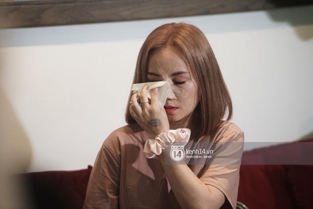 Cô Xuyến Hoàng Yến lộ cận cảnh sống mũi băng chằng chịt sau cú đấm của chồng ở họp báo, liên tục khó thở vì bị gãy xương - Ảnh 6.