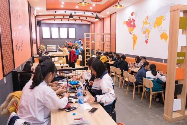 Sở hữu 2 xế hộp tiền tỷ, mở nhà hàng ở tuổi 22, ADC khiến cả cộng đồng game ghen tị với cuộc sống giàu có, chanh sả - Ảnh 4.