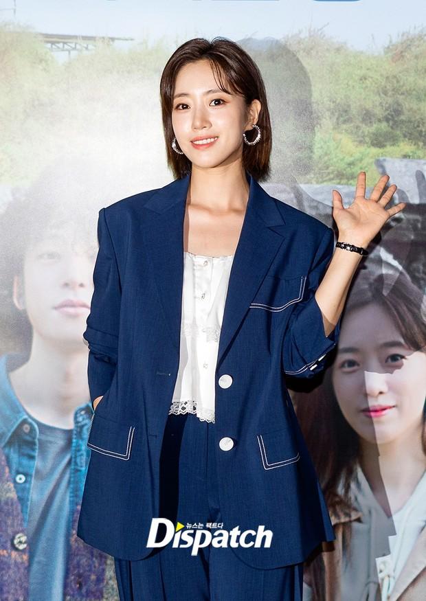 Lâu lắm mới lộ diện, Eunjung (T-ara) gây choáng với gương mặt hack tuổi sởn da gà, đèn flash cũng không dìm nổi nhan sắc - Ảnh 3.