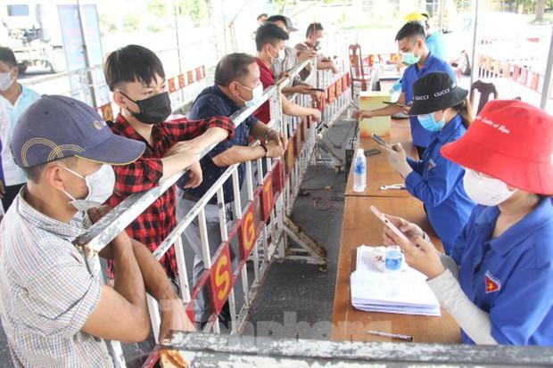 Không chỉ làm Đà Nẵng bùng dịch, tài xế từ TP.HCM còn hình thành chuỗi lây nhiễm ở Phú Yên - Ảnh 1.