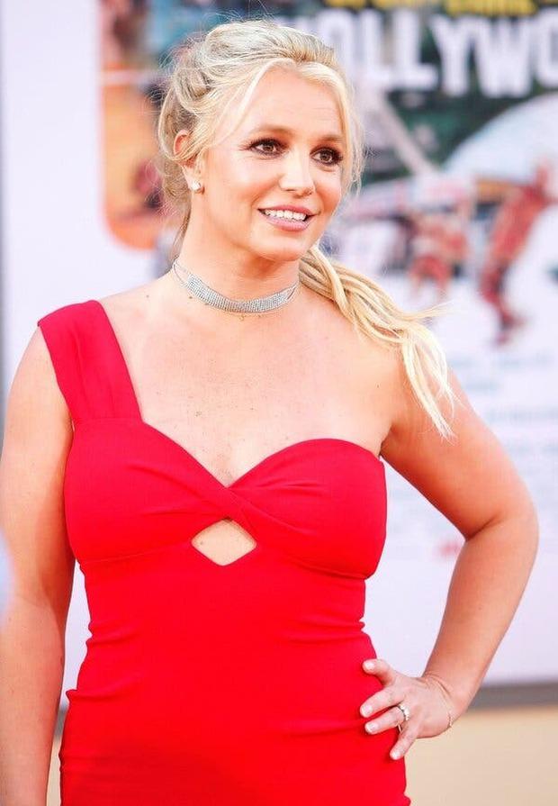 Britney Spears có động thái đầu tiên trên MXH khiến fan nghi ngay ekip dàn dựng, sang Instagram của bạn trai xem an tâm hơn! - Ảnh 7.