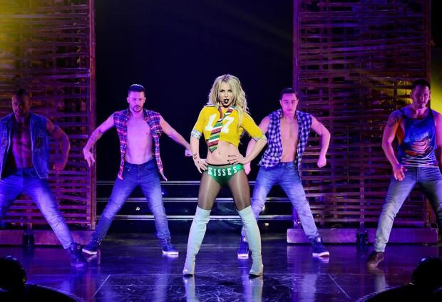 Huyền thoại âm nhạc lên tiếng vạch trần bố Britney Spears ép con gái dùng thuốc: Britney không khác gì một cái xác sống - Ảnh 5.
