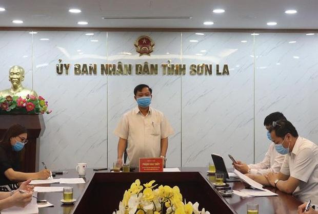 Sơn La: Phát hiện 2 nghi phạm buôn bán ma túy dương tính SARS-CoV-2, đã tiếp xúc với nhiều công an - Ảnh 1.