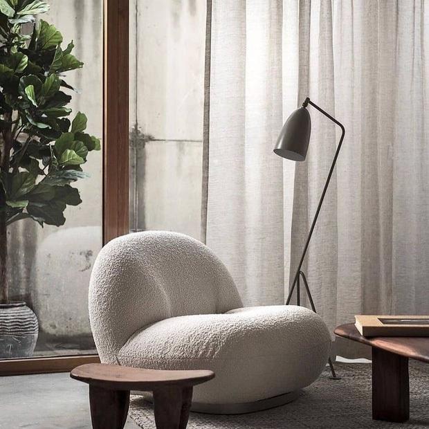 Decor phòng xịn xò với nội thất trắng kem giống Linh Ngọc Đàm: Rèm, tủ giá mềm nhưng ghế sofa muốn đẹp phải chịu chi - Ảnh 11.