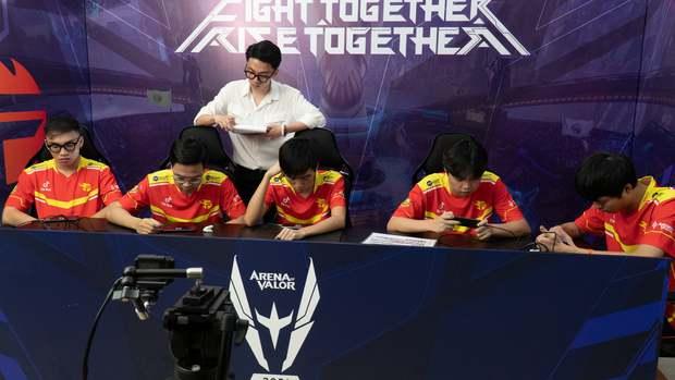 Team Flash chính thức bị loại khỏi AWC 2021, ngày buồn của Liên Quân Mobile Việt Nam - Ảnh 1.