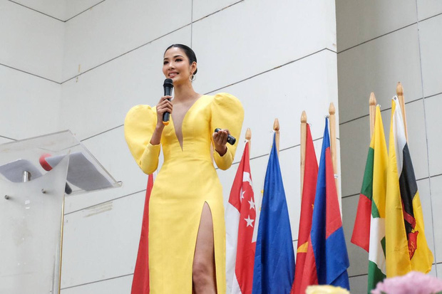 Hoàng Thùy: Từ Ai lớp Niu Doóc đến bắn tiếng Anh tằng tằng trên sân khấu Miss Universe - Ảnh 5.