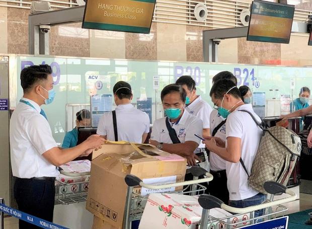 Các y bác sĩ Huế và Đà Nẵng hoàn thành nhiệm vụ tại Bắc Giang, quay trở về địa phương - Ảnh 3.