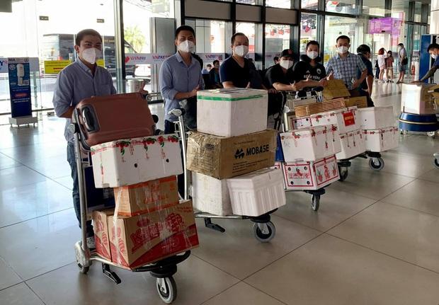 Các y bác sĩ Huế và Đà Nẵng hoàn thành nhiệm vụ tại Bắc Giang, quay trở về địa phương - Ảnh 2.
