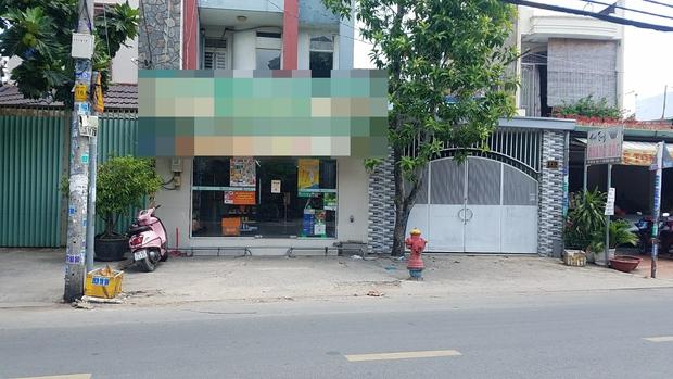 TP.HCM: Bắt kẻ đánh vào đầu nhân viên cửa hàng tiện lợi, cướp tài sản giữa mùa dịch Covid-19 - Ảnh 1.
