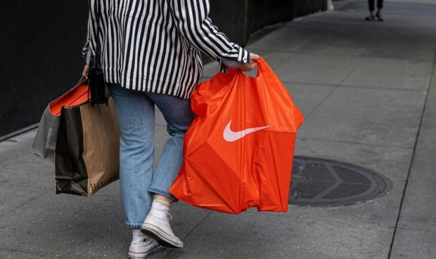 Nike bị tẩy chay sau tuyên bố là thương hiệu của Trung Quốc và đây là phản ứng từ netizen Việt! - Ảnh 1.