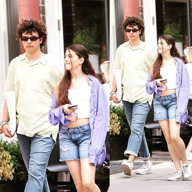 Suri Cruise dạo phố thôi mà khoe visual xinh xỉu cùng chân dài cực phẩm, nhưng dân tình lại tò mò về chàng trai bên cạnh - Ảnh 6.