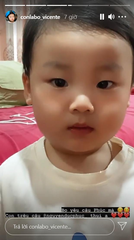 Hòa Minzy hát mừng sinh nhật ông xã nhưng lại một lần nữa Đức Phúc bị bé Bo sát thương mới gây cười ngất! - Ảnh 6.