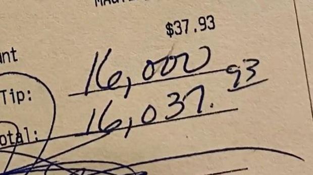 Gọi bữa ăn giá 850 ngàn VNĐ, khách hàng để lại tiền tip gần 400 triệu VNĐ cho nhân viên vì lý do không tưởng - Ảnh 3.