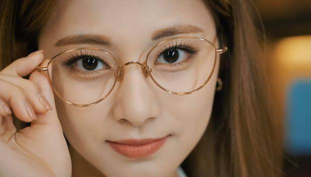 Tzuyu xinh nức nở trong MV mới nhưng đến phần nghe lại bị netizen cà khịa: Có vocal đâu mà khoe? - Ảnh 3.