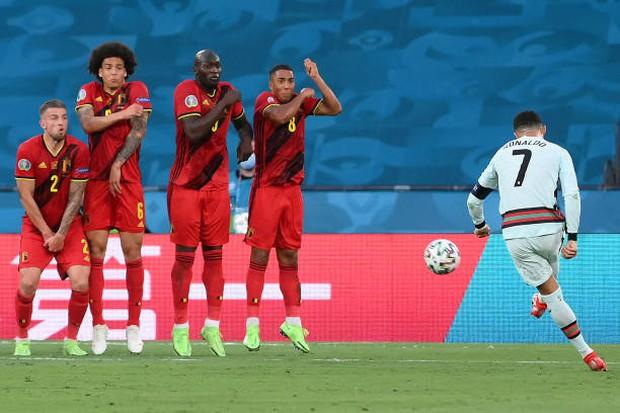 Ronaldo im tiếng, Bồ Đào Nha chính thức trở thành cựu vương Euro - Ảnh 13.