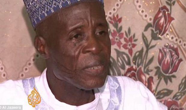 Cụ ông có 86 vợ và 170 con, mỗi ngày ăn hết 21 triệu tiền cơm, hết tiền cả nhà rủ nhau đi ăn xin - Ảnh 1.