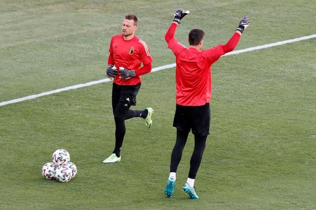 Ronaldo im tiếng, Bồ Đào Nha chính thức trở thành cựu vương Euro - Ảnh 21.