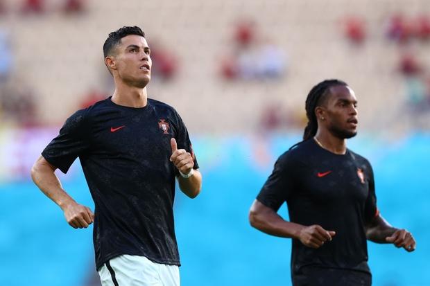 Ronaldo im tiếng, Bồ Đào Nha chính thức trở thành cựu vương Euro - Ảnh 20.