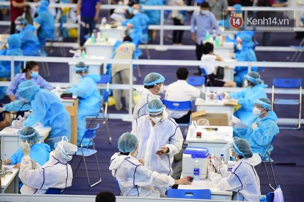 TP.HCM: Hơn 800.000 người được tiêm, chiến dịch tiêm vaccine Covid-19 lớn nhất lịch sử đã thành công - Ảnh 1.