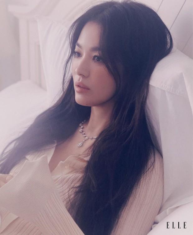 Vạn vật đổi thay riêng nhan sắc Song Hye Kyo là bất biến, nhìn ảnh tạp chí mới mà dân tình gào rú: Đẹp, đẹp, đẹp quá đáng! - Ảnh 3.