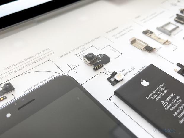 """Mổ bụng xem """"nội tạng"""" của những mẫu iPhone để thấy Apple đã tỉ mỉ và cầu toàn đến thế nào! - Ảnh 17."""