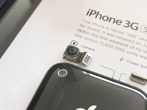 """Mổ bụng xem """"nội tạng"""" của những mẫu iPhone để thấy Apple đã tỉ mỉ và cầu toàn đến thế nào! - Ảnh 8."""