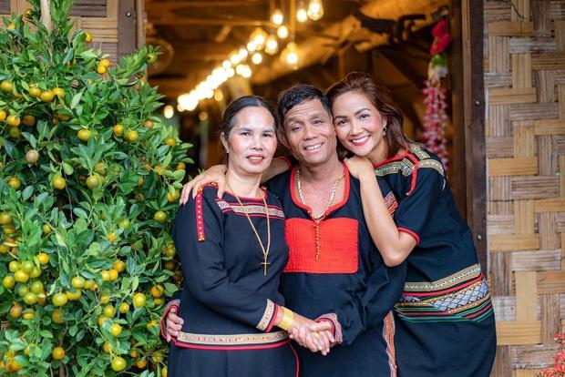 Ngập trời sao Vbiz chia sẻ nhân ngày Gia đình Việt Nam: Đoan Trang khoe hội anh em nhà người ta, H'Hen Niê - Tiểu Vy chung 1 nỗi lòng - Ảnh 3.