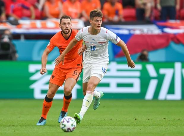 Hà Lan đêm nay chào Euro về nước, Hà Lan về quê với chú Ngạn thật rồi các bạn ơi! - Ảnh 2.