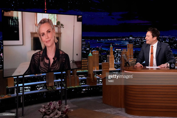 HOT: Áo của NTK Công Trí được diện ngay trên sóng truyền hình bởi người phụ nữ được khao khát nhất hành tinh - Ảnh 1.