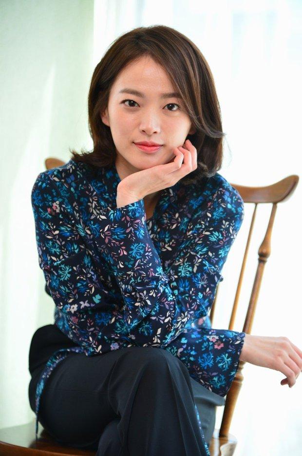 40 mỹ nhân màn ảnh Hàn khiến hội đồng tính nữ chết mê: Mợ cả Mine mất top 1 vào tay nàng thơ cảnh nóng - Ảnh 5.