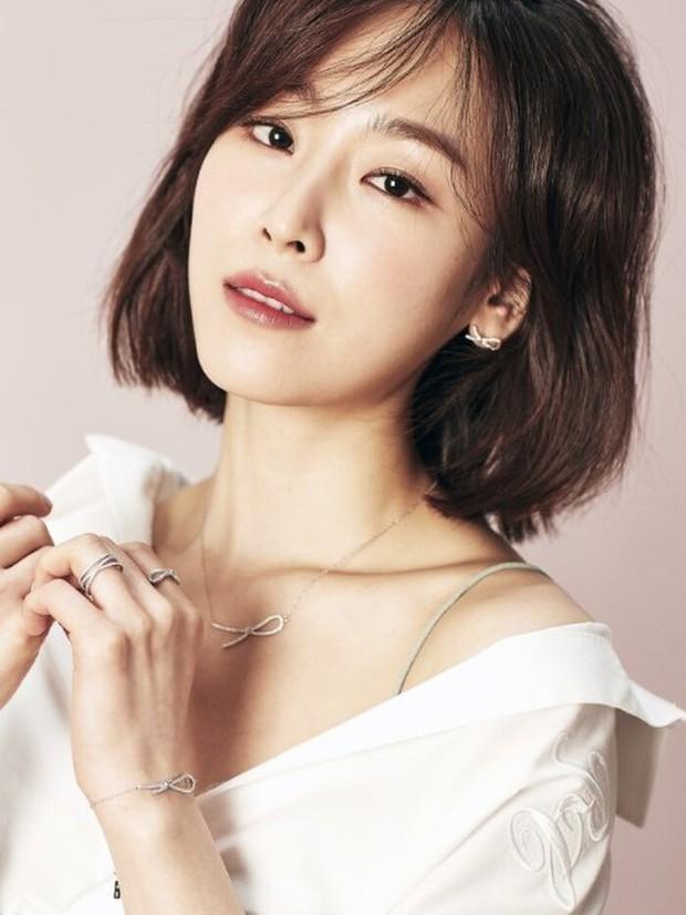 40 mỹ nhân màn ảnh Hàn khiến hội đồng tính nữ chết mê: Mợ cả Mine mất top 1 vào tay nàng thơ cảnh nóng - Ảnh 6.