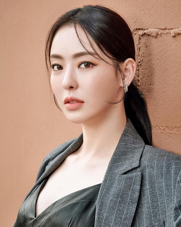 40 mỹ nhân màn ảnh Hàn khiến hội đồng tính nữ chết mê: Mợ cả Mine mất top 1 vào tay nàng thơ cảnh nóng - Ảnh 9.