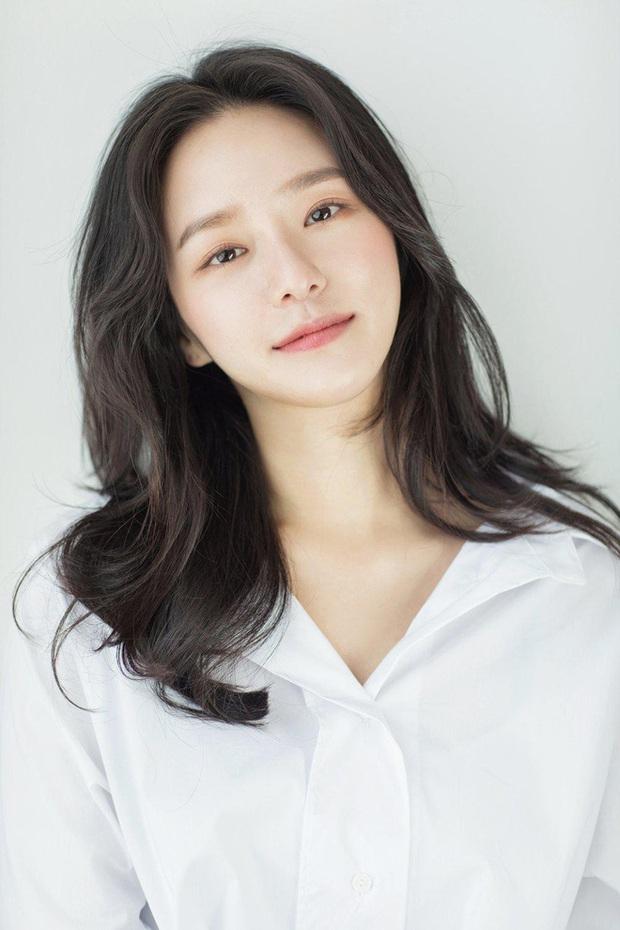 40 mỹ nhân màn ảnh Hàn khiến hội đồng tính nữ chết mê: Mợ cả Mine mất top 1 vào tay nàng thơ cảnh nóng - Ảnh 10.