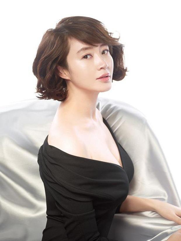 40 mỹ nhân màn ảnh Hàn khiến hội đồng tính nữ chết mê: Mợ cả Mine mất top 1 vào tay nàng thơ cảnh nóng - Ảnh 11.