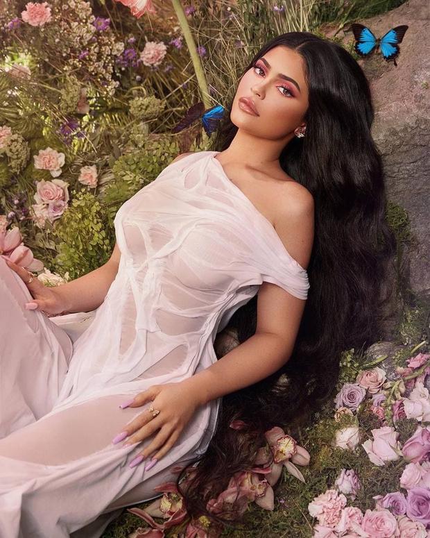 Lily Chen khoe ảnh mới sau ồn ào với Ngọc Trinh nhưng sao giống Kylie Jenner thế này? - Ảnh 4.