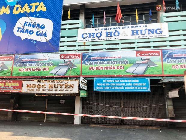 Hàng loạt chợ truyền thống ở Sài Gòn tạm đóng cửa, giăng dây phong toả vì Covid-19 - Ảnh 7.