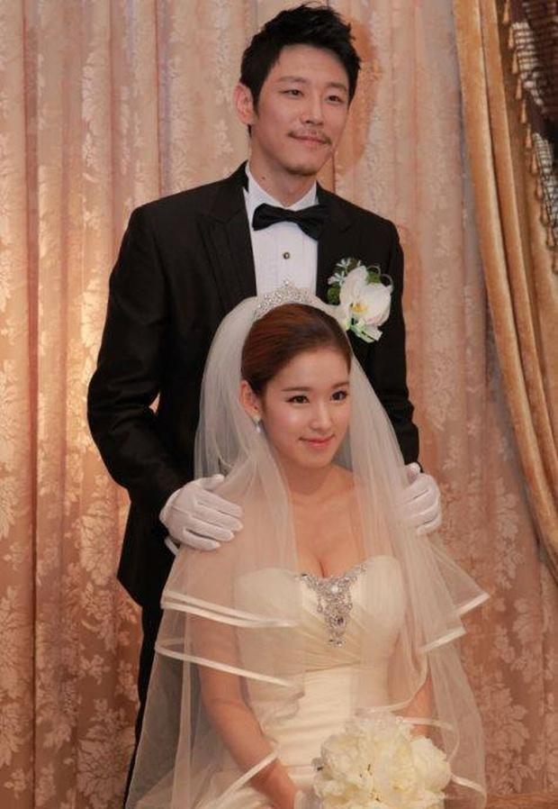Mỹ nhân Hàn bị bạo hành: Mỹ nhân Hậu Duệ Mặt Trời - Goo Hara bị đánh dã man, rùng mình Choi Jin Sil tự tử liên hoàn và sao nữ sảy thai - Ảnh 15.