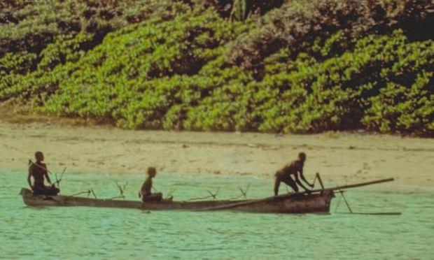 Bí ẩn bộ lạc không thèm giao tiếp với thế giới hơn 60.000 năm, cứ thấy người lạ tới gần là vác cung ra bắn chết - Ảnh 5.