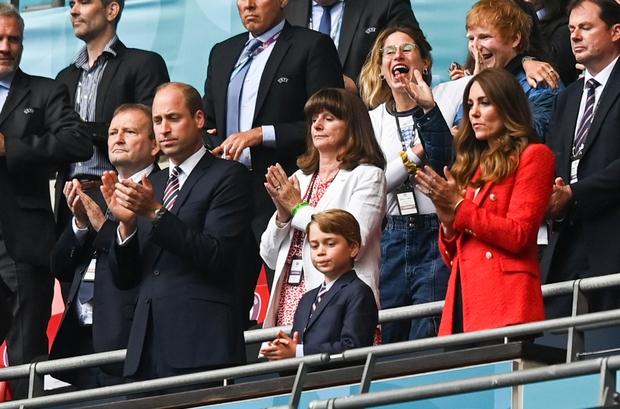 Gần 2000 bệnh nhân Covid đã đi xem Euro 2020, đến cả sân vận động Hoàng tử William từng có mặt - Ảnh 2.