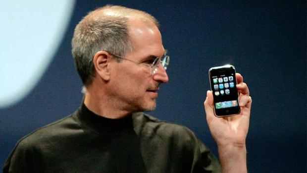 Bảy lần Apple khiến thế giới trầm trồ vì những thiết kế đi trước thời đại - Ảnh 2.